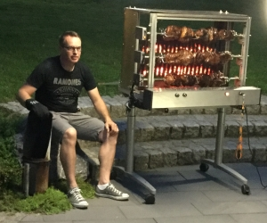 bubi-mit-grill